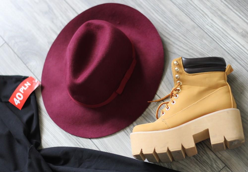 stradivarius-hat-bordowy kapelusz-sequin