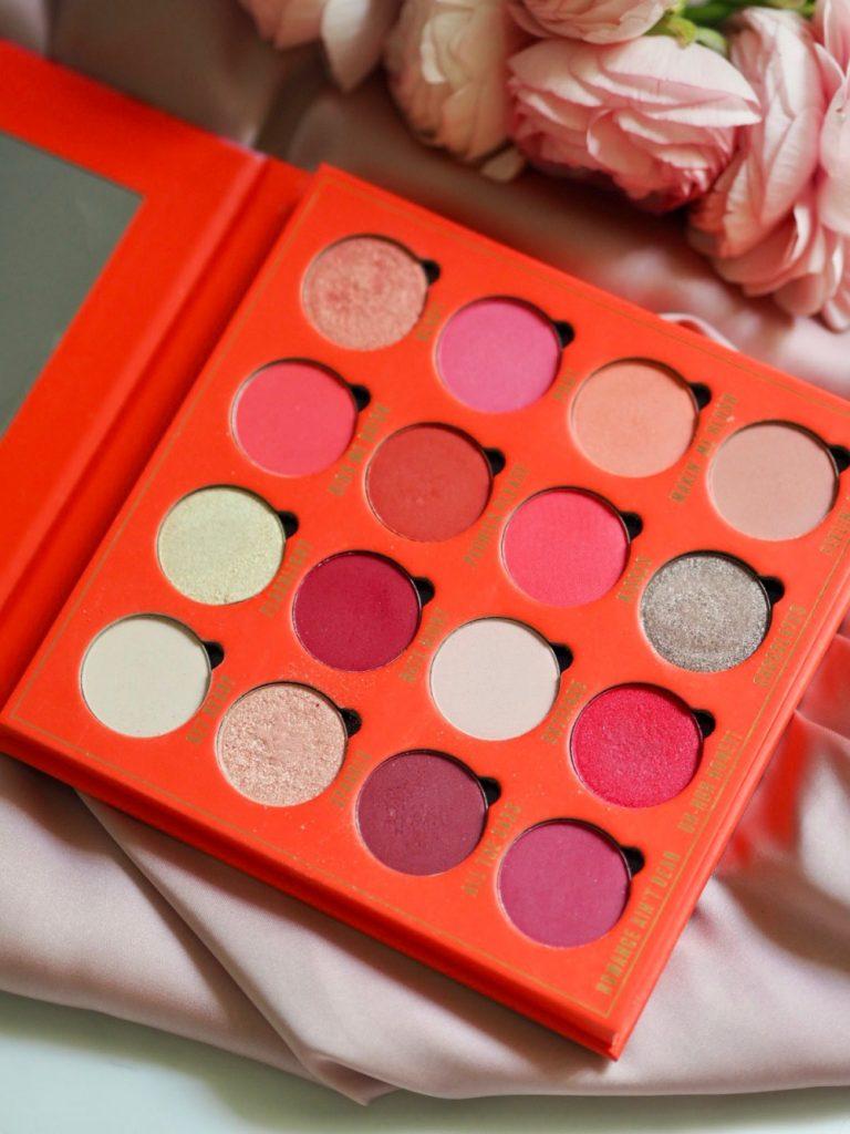 Skorzystaj z wiosennej oferty Rossmann – promocja -55% na kolorowe kosmetyki w tym Makeup Obsession – Kiss! Sprawdź!